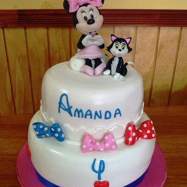 #MinnieMouse #Fijaro #fondant #cake by Volován Productos #instacake #puq #Chile #VolovanProductos #Cakes #Cakestagram #SweetCake