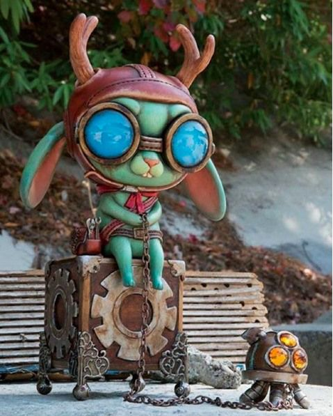 The Toy Chronicle Exclusive Interview & Sneak Peek with Cassia Harries!