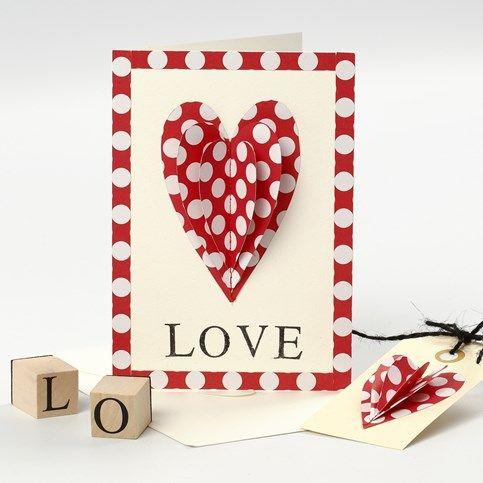 13507 Een Valentijnskaart met opgenaaid hart