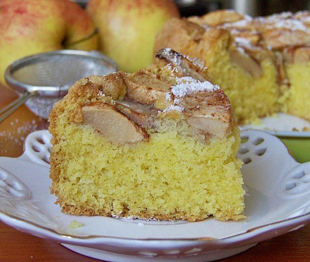 Proste ciasto ucierane z jabłkami (na oleju)