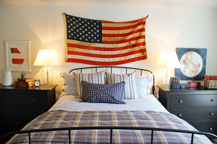Georgia was one of the original thirteen colonies, and as such, it has a long and fabled history. Nowhere has that history been more evident than in the early 00s battle for the state flag. There are