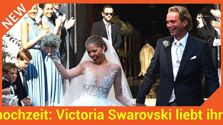 Rund zwei Monate ist Victoria Swarovski (24) schon verheiratet. Ihrem Liebsten Werner Mürz gab sie am 16. Juni ganz romantisch das Jawort. Besonders ihr Hochzeitskleid machte Schlagzeilen. Sage und schreibe 800.000 Euro hat der Traum in Weiß gekostet. Heute ist Victoria immer noch überglücklich  DAS hat sie jetzt auf ihrem Social-Media-Account bewiesen.   Source: http://ift.tt/2vAnjcr  Subscribe: http://ift.tt/2qsx2iw Traumhochzeit: Victoria Swarovski liebt ihr neues Leben