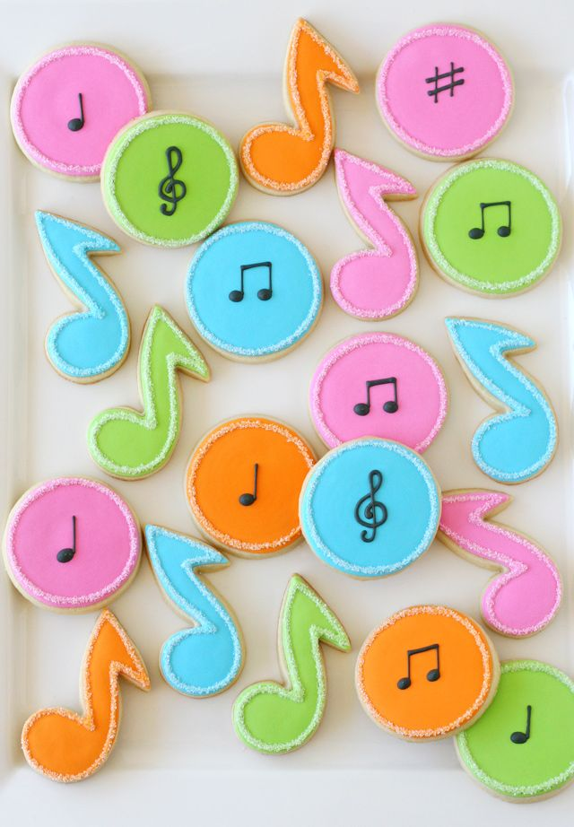 These colorful Music Note Decorated Cookies would be perfect to make for a piano recital or for any music lover in your life!