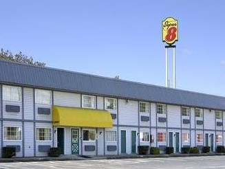 Wooster (OH) Super 8 Motel - Wooster United States, North America Set in a prime location of Wooster (OH), Super 8 Motel - Wooster puts everything the city has to offer just outside your doorstep. Featuring a complete list of amenities, guests will find their stay at the property a comfortable one. Take advantage of the hotel's pets allowed, disabled facilities, car park. Guestrooms are designed to provide an optimal level of comfort with welcoming decor and convenient ameniti...