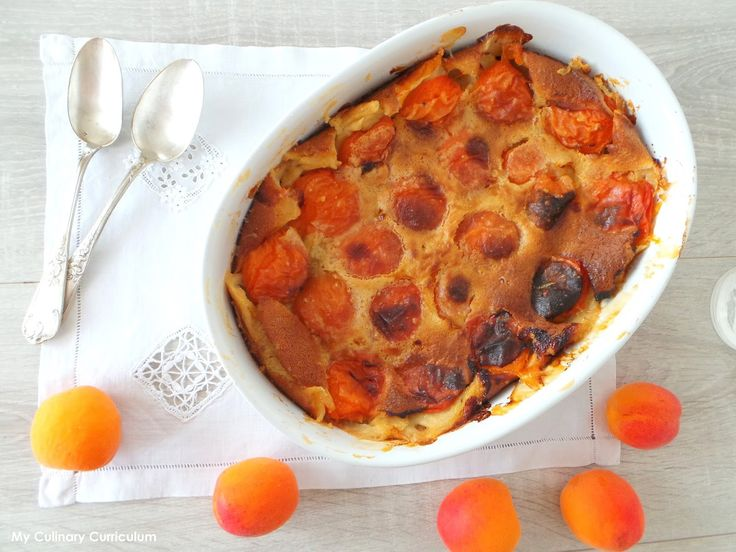 My Culinary Curriculum: Clafoutis aux abricots (Clafoutis with apricots)