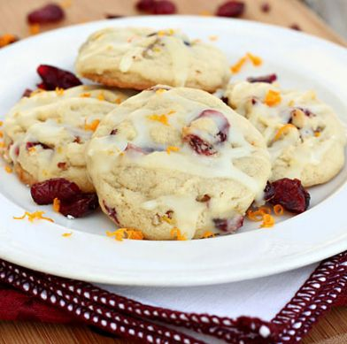 Cranberry Orange Cookies | This easy cookie recipe is a must make for potlucks and bake sales.