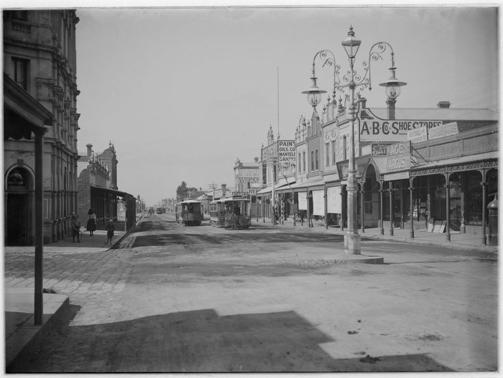 Cable tram terminus, Moreland Road, Brunswick, circa 1900. Photographer Gabriel Knight from State Library Victoria collection.