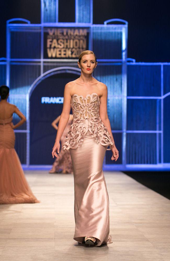 Wunderbar Filipino Designer Hochzeitskleider Ideen - Brautkleider ...