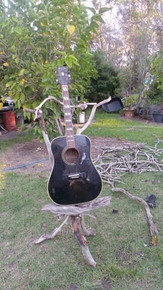 Making a Guitar Stand from Drift Wood!!!!