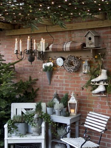 Gorgeous way to set up your porch!