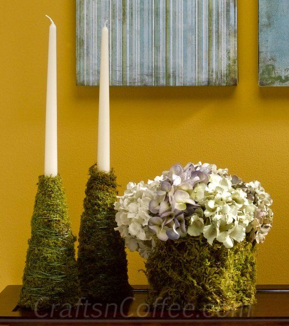 Love these moss accents & easy to make, too. CraftsnCoffee.com