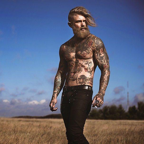 Undercut, Beard + Tattoo = Winning! via: instagram.com/spizoiky