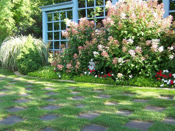 Checkerboard nook in krantz garden an afternoon in the for Checkerboard garden designs
