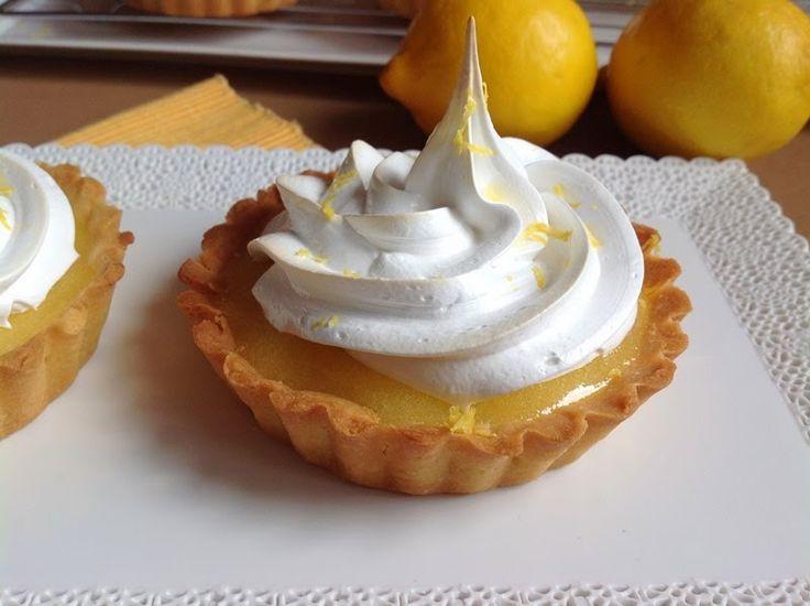 VÍKENDOVÉ PEČENÍ: Tartaletky s citronovým krémem a italským sněhem
