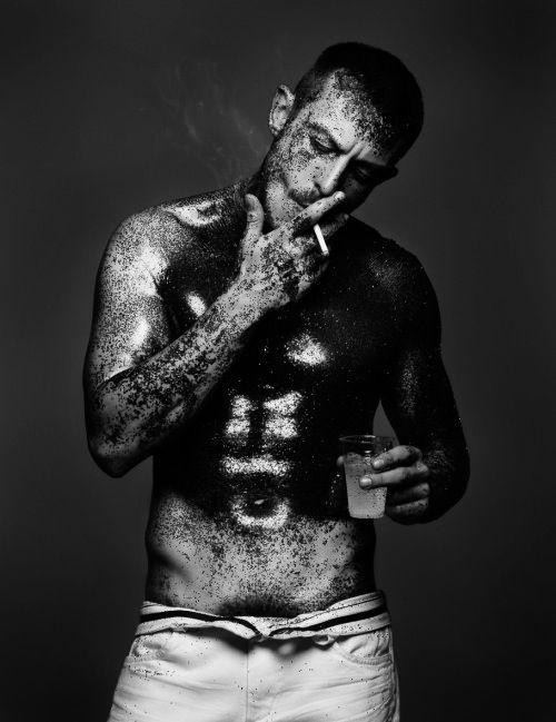 ♂ Black & white photo man Jonathan Saunders: Photographer: Sølve Sundsbø: LOVE 8  → original in colour via spottedhyenas  → HOMME+→→SMOKING IN PICTURES