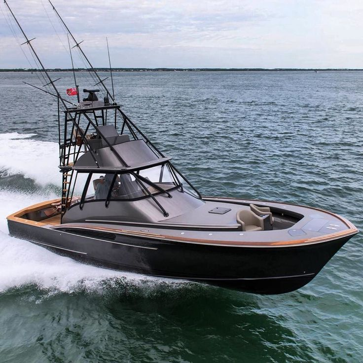 Introducing the brand new custom Jarrett Bay 46 GRANDER - an absolute fishing machine! Yacht by @jarrettbay Fishing gear by @grandercustomtackle by denison_superyachts