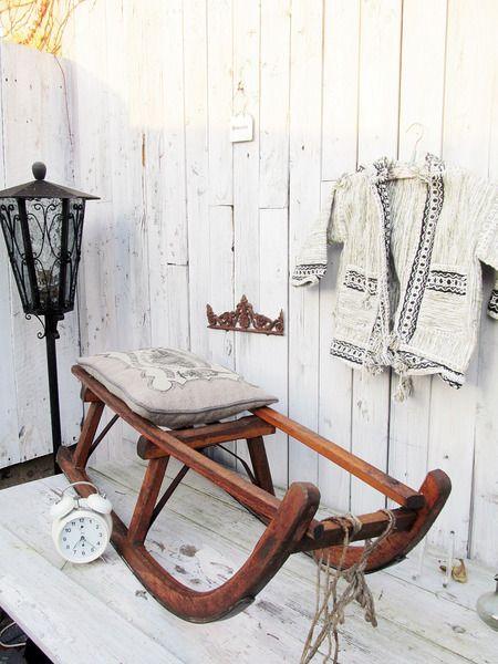uralter Schlitten  von Gerne Wieder.GbR auf DaWanda.com #vintage #weihnachtsdeko #winter #shabby_chic