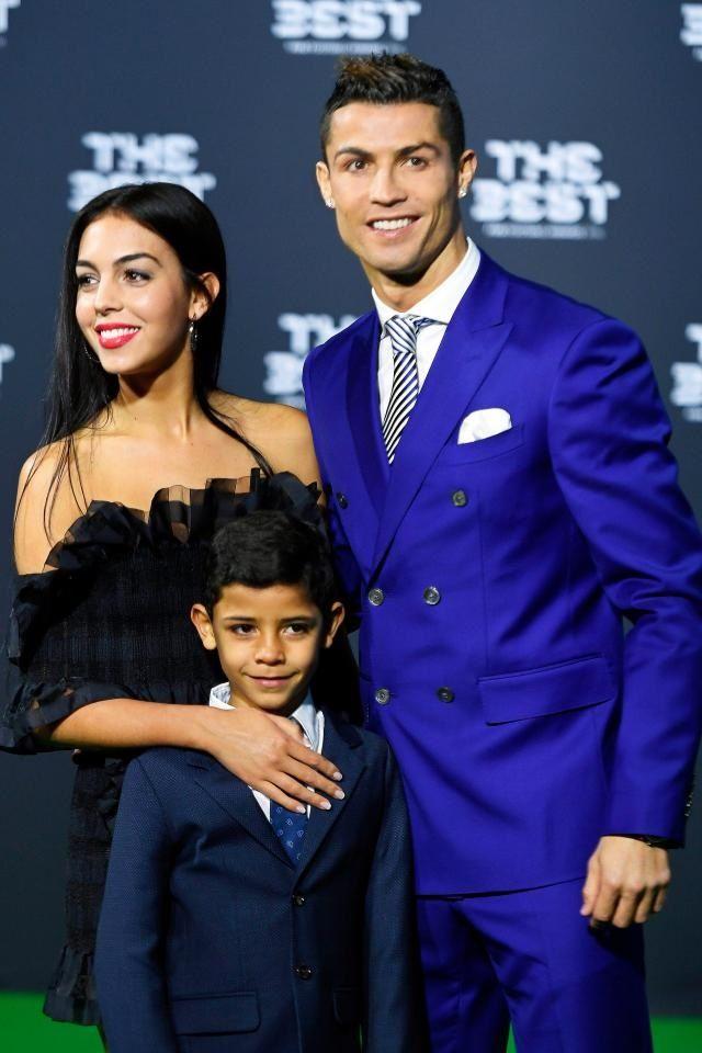 Cristiano Ronaldo Wife Girlfriends Kids Family More Info 2019 Ronaldo Wife Cristiano Ronaldo Ronaldo