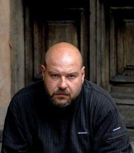 Irek Grin (ur. 1969) to pisarz, fotograf, wydawca, menedżer kultury oraz kurator ESK 2016 do spraw literatury #Wroclaw
