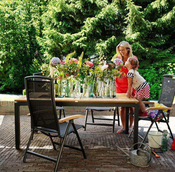 Een #tuinset met een robuuste en natuurlijke look! #Hartman #tuinmeubelen