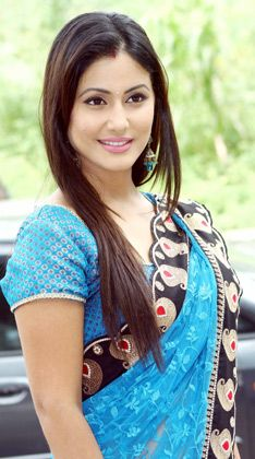 Hina Khan aka Akshara of 'Yeh Rishta Kya Kehlata Hai' looks graceful in this blue saree.