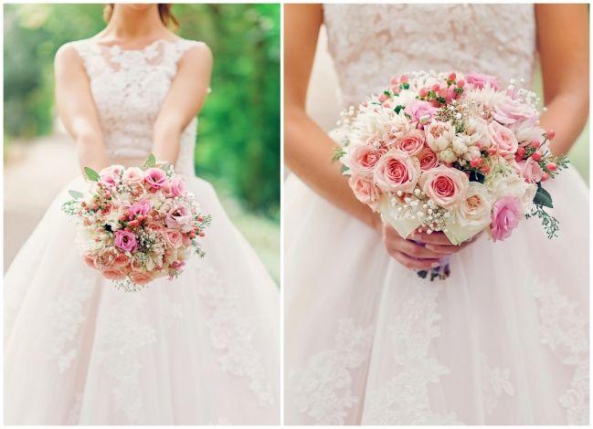 Bride holding her flowers   Melissa Avey Photography