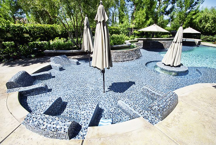 72 best swimming pools images on pinterest swiming pool swimming pools and backyard ideas for Swimming pools with built in tables