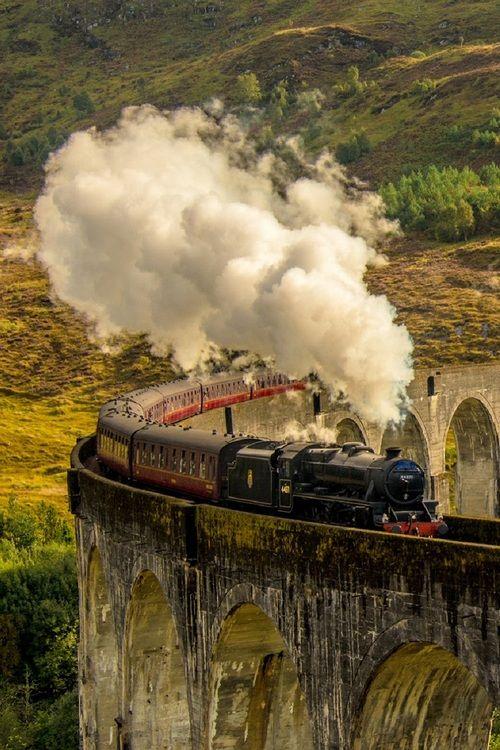 Glenfinnan Viaduct, Scotland - Katerina Folprechtova