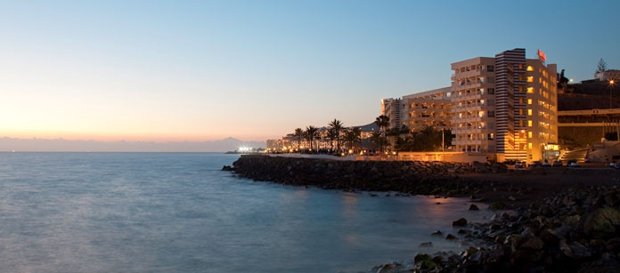 Arguineguín, Gran Canaria. En idyllisk liten by på sydkusten. Här hittar du Vings familjeparadis Sunwing Resort & Spa, precis vid havet.