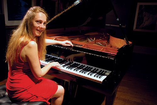 Katya Grineva in Concert 2017 Upper Gallery, March 08, 2017 Wednesay, 7:30PM Click on the picture to get tickets! KATYA GRINEVA, having just completed her 16th appearance at Carnegie Hall, will be returning the Salmagundi Club to entertain and enthrall music lovers with sounds of Chopin, Schubert, and Debussy.