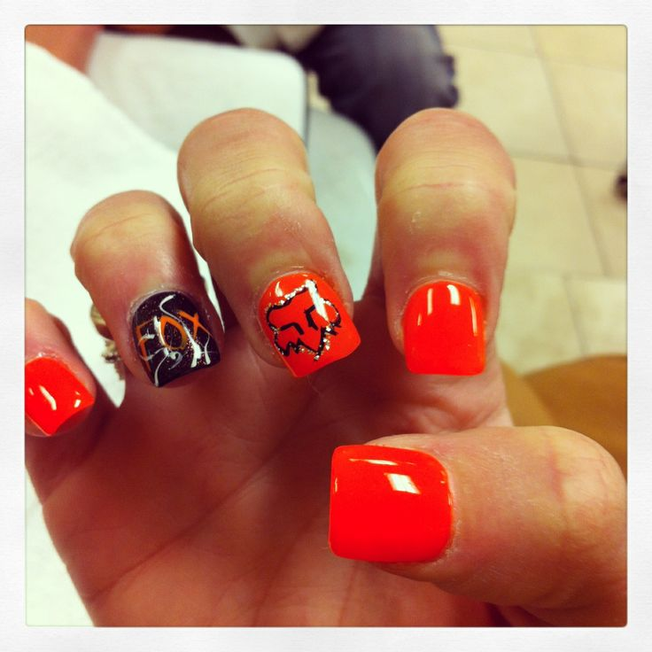 Fox Racing Nails @Jena McClendon McClendon McClendon McClendon McClendon Parker Something like this would be cute