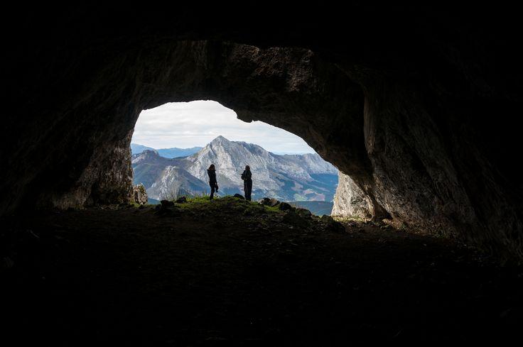 @enarasacha  #mendia #udalaitz #udalatxetik #amboto #mountains #cavern #beautifullandscape #kobazulo #cueva #eh #basquecountry #hikking #nature #cute #picoftheday