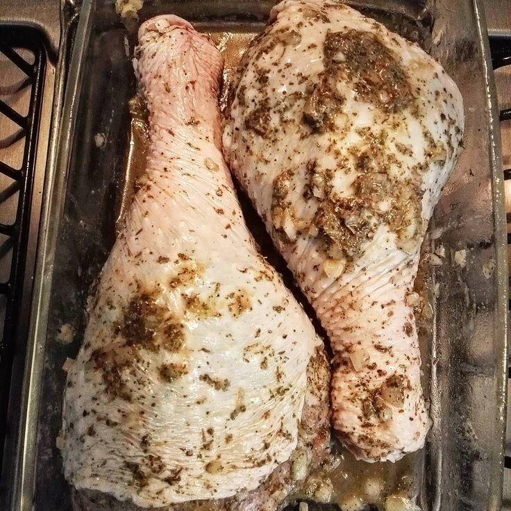 El Gourmet Urbano: Gastronomía Urbana: #foodblog Preparando desde ya el almuerzo de mañana: Piernas de #pavo al horno.