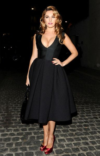 Kelly Brook Little Black Dress - Kelly Brook wore this sexy '50s-inspired dress…