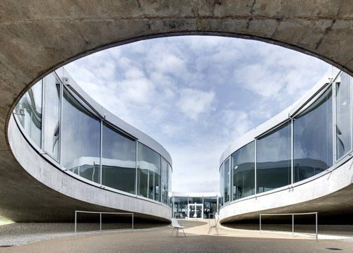 The Rolex Learning Center, Ecole Polytechnique Federale Lausanne / SANAA (Switzerland 2009)