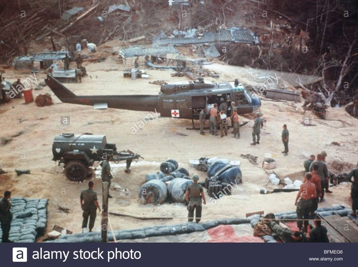 Uh 1d Helicopters Bring Wounded 101st Air Cavalry To Fire Base ...