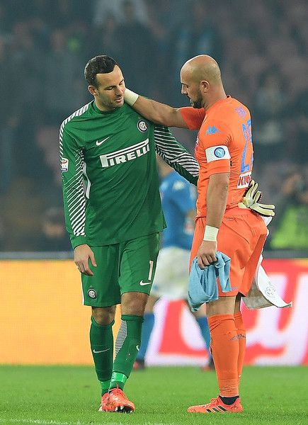 SSC Napoli player Pepe Reina and FC Internazionale player Sami Handanovic hug each other after the Serie A match between SSC Napoli and FC Internazionale at Stadio San Paolo on October 21, 2017 in Naples, Italy.