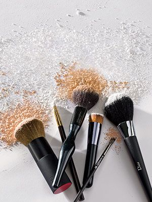The ultimate guide to start using the right makeup brushes