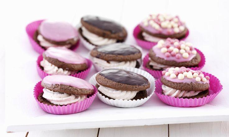 recipe-Chocolade whoopies met aardbeienroom