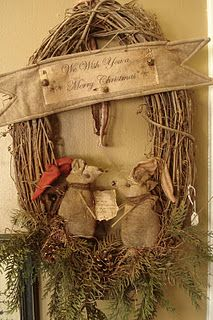 love this wreath!!!...: Christmas Wreaths, Primitives Christmas Mice, The Holidays, Christmas Crafts, For The Homes, Gathering, Country And Primitives Mice, Grapevine Wreaths, Merry Christmas