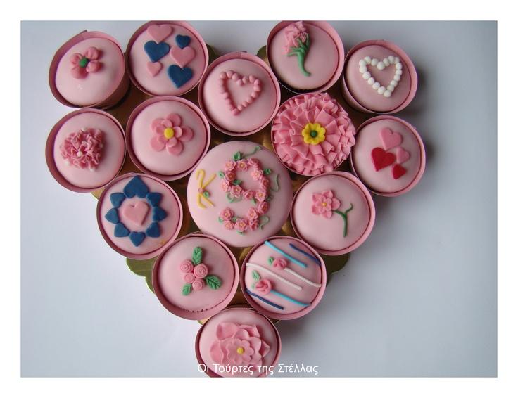 Romantic Cupcakes  http://stellamark.blogspot.com/p/blog-page_18.html