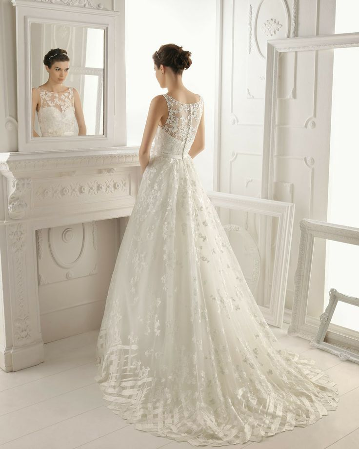 Aire Barcelona perfect long lace gown