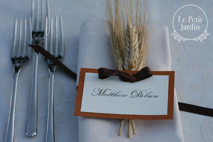Spiga di grano con nome segnaposto - rustico, semplice, ma sempre elegante.