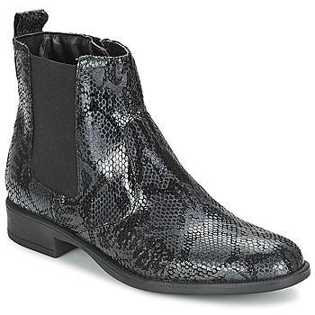 Du style et du caractère : voici le programme de la boot Osmina de la marque Tamaris. Si on l'aime pour sa tige en cuir de couleur noire, on apprécie également ses détails de confection qui la rendent unique. Sa semelle extérieure en synthétique fait partie de ses atouts en matière de confort et de souplesse. Il y a fort à parier qu'elle nous suivra partout dans les jours à venir ! - Couleur : Noir - Chaussures Femme 79,96 €