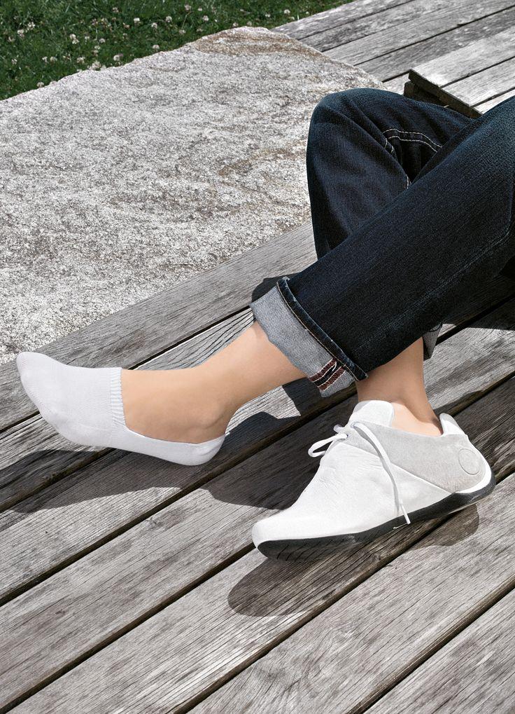 Короткие мужские носки для ношения с кросовками FALKE Run Invisible