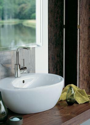 Stylish Grohe Essence wash hand basin.