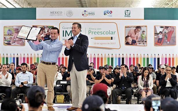 IMSS invierte en Guanajuato para reforzar infraestructura médica y recibe folios para impartir primer grado de preescolar en 53 guarderías del estado - http://plenilunia.com/escuela-para-padres/imss-invierte-en-guanajuato-para-reforzar-infraestructura-medica-y-recibe-folios-para-impartir-primer-grado-de-preescolar-en-53-guarderias-del-estado/46067/