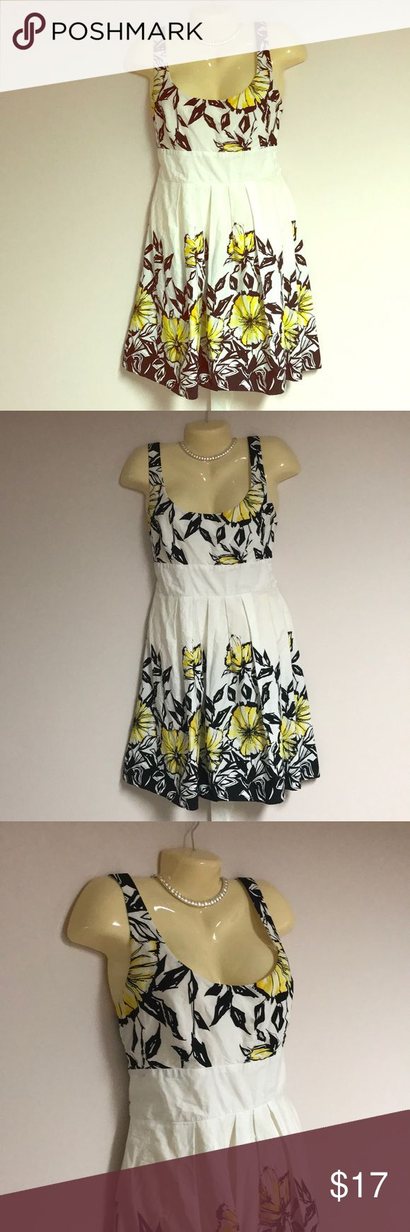 B. Smart Gorgeous Summer Dress Sz 12 B. Smart summer dress size 12. You can't help but think of summer when you see this dress. Crisp white 100% cotton with bright yellow flowers and butterflies.  Bust 38 waist 32 hips open length 38.   I love reasonable offers. Let's make a deal!!! B. Smart Dresses Midi