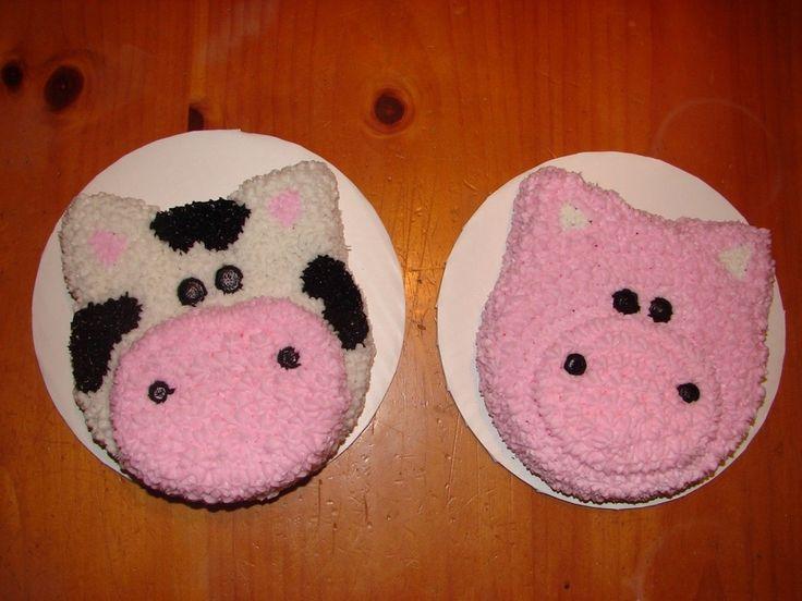 Pig & Cow smash cakes to go with Drew & Jacks's barn cake