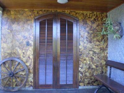 ARTE COM QUIANE - Paps, Moldes, E.V.A, Feltro e Costuras: reciclagem com coador de café usado! Olha que lindo revestindo essa parede!